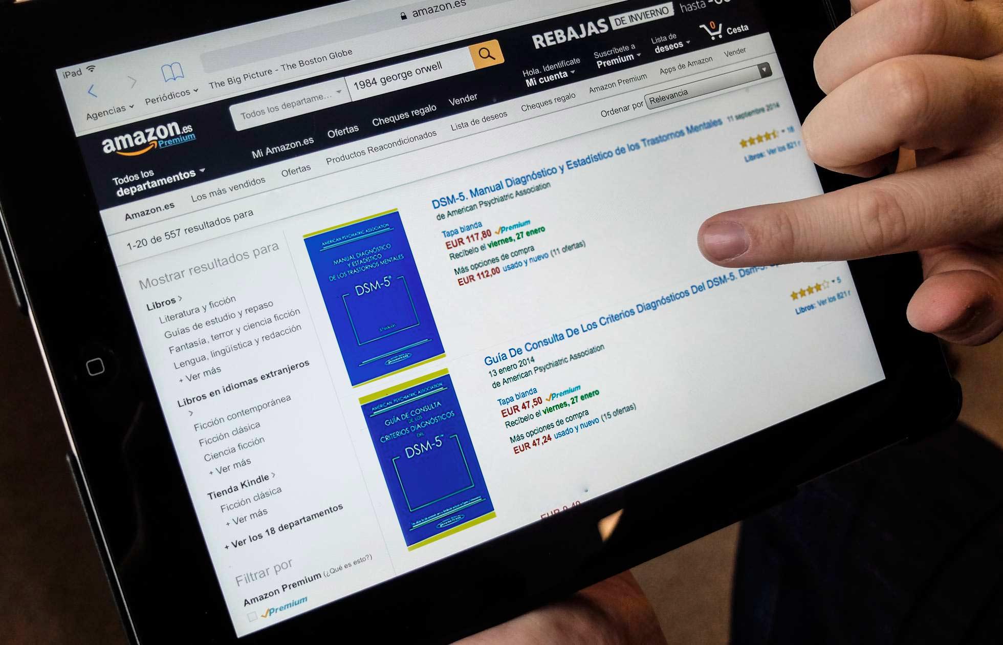 Un usuario de Internet en la página de Amazon que vende ediciones del 'DSM'.