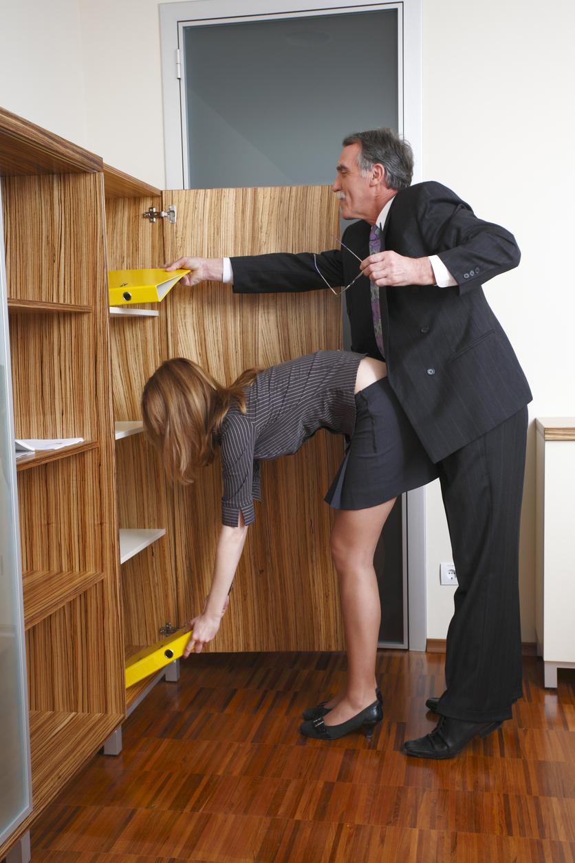 Уборщица и начальница, порно ролики худые шлюхи