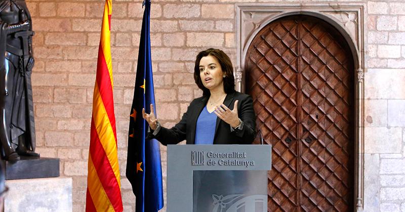 """Sáenz de Santamaría afirma que """"España ens roba"""" sólo tres días después de ser designada presidenta de la Generalitat"""