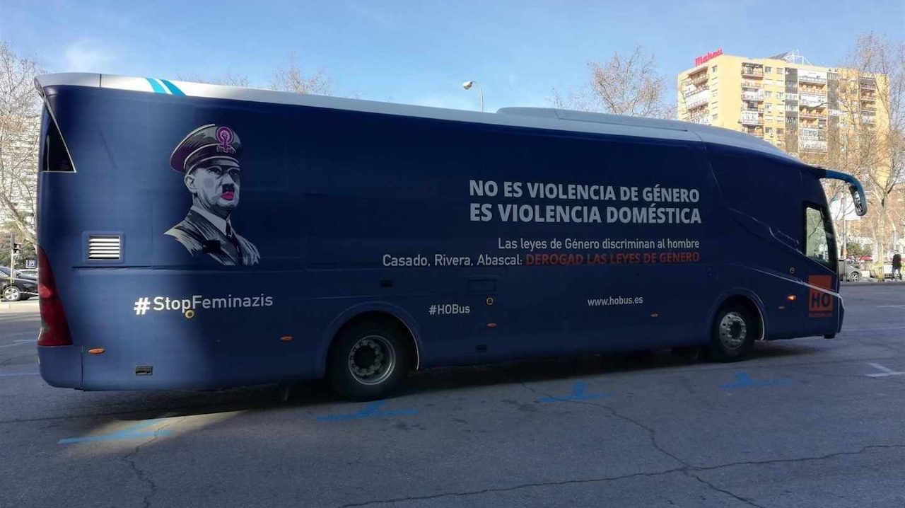 Resultado de imagen de autobús de Hazte Oír