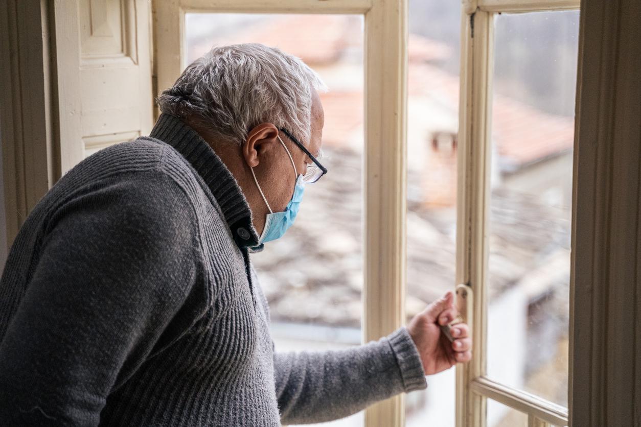 Tras un mes conviviendo con sus nietos, los abuelos españoles empiezan a sentir nostalgia de la Guerra Civil