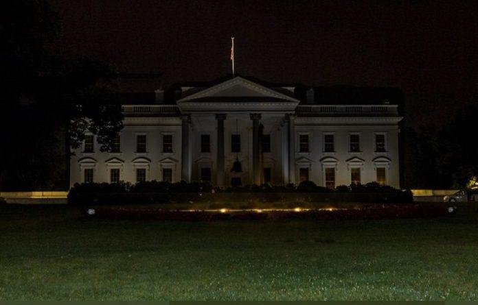 Estados Unidos mete a Donald Trump en el búnker de la Casa Blanca ...